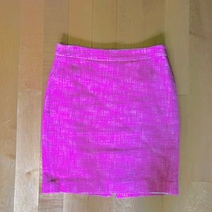 Banana Republic Pink houndstooth skirt Size 4
